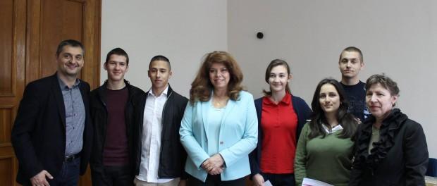 Ученици и учители от НАГ  – Габрово на посещение в Брюксел по покана на Илияна Йотова