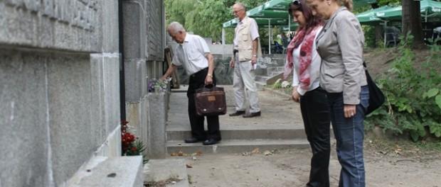 БСП – Габрово ще отбележи 9 септември с поднасяне на цветя на Костницата