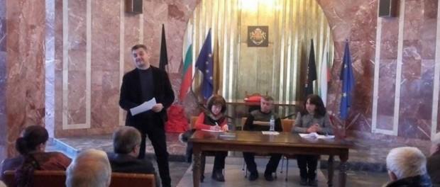 Кирил Добрев и местните социалисти заявиха, че продължават заедно напред