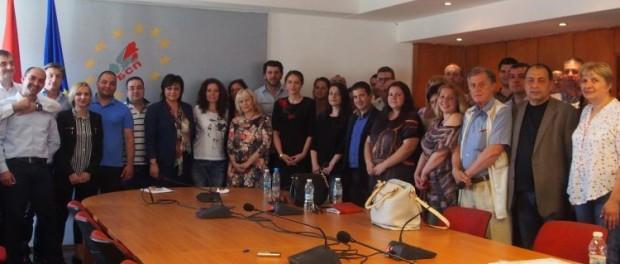 Корнелия Нинова: Политика не се прави в кабинетите