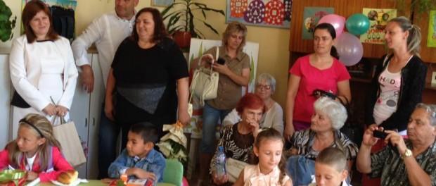 Сидорова поздрави ученици и учители в Трявна