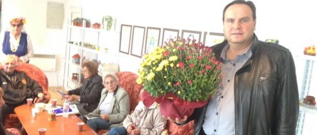 Николай Григоров посети изложба на хора с зрителни увреждания